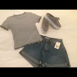 American Eagle cropped scalloped striped tee